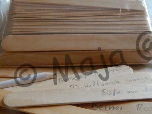 Mundspatel aus Holz als Alternative zu teuren Holzpflanzetiketten